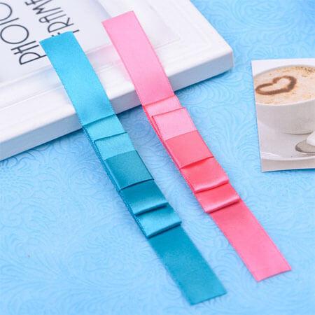 2 layer pink grenn present bow ribbon design